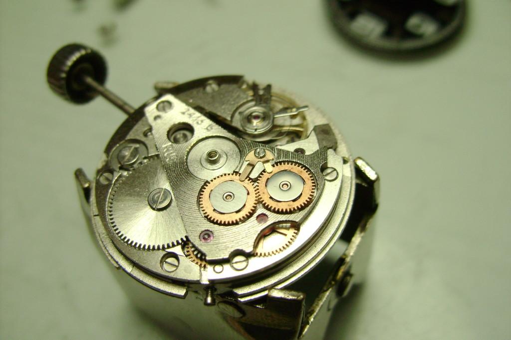 Шумят механические часы